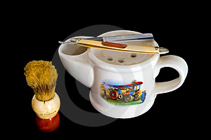 Shaving Mug, Brush And Straight Razor Stock Images - Image: 1662454