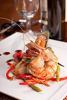 Delicatessen Dish With Seafoodsshrimp, Prawn, Muss Stock Photography - Image: 16638772