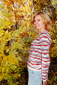 Pretty Woman In The Autumn Park. Stock Photo - Image: 16672810