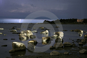 Sea Shore At Night Royalty Free Stock Images - Image: 16710769