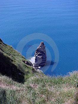 Roca Sola En El Acantilado De Moher Fotos de archivo - Imagen: 16724273