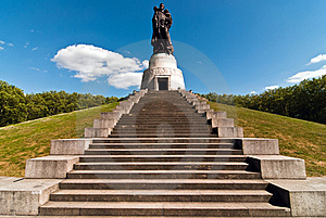 Berlin Monument Soviet Soldiers V1 Stock Photography - Image: 16779692