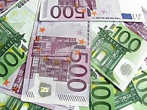 100 And 500 Euro Banknotes Stock Photo - Image: 16809460