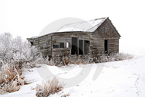 Abandoned Wood Farm Building In Winter Stock Images - Image: 16894454