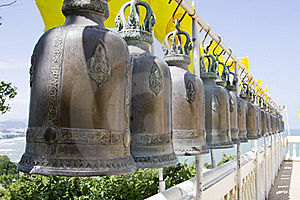 Bell In Buddhist Temple Royalty Free Stock Images - Image: 16947459