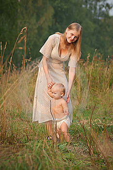 Mother Walk With Baby  In Park Royalty Free Stock Photography - Image: 16964517