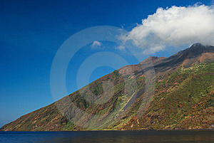 Cloud On The Top Of The Mountain Stock Photos - Image: 16973743