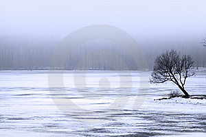 Frozen Lake Royalty Free Stock Images - Image: 16988079