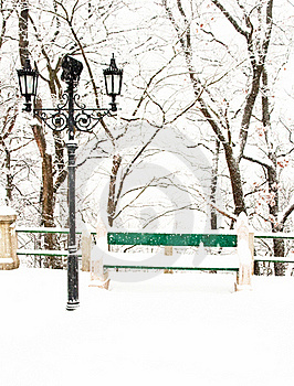 Nice Park In Winter Royalty Free Stock Photo - Image: 16989085