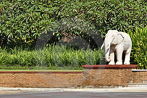 Elephant Statue In The Park.landscape Design Royalty Free Stock Photos - Image: 16998928