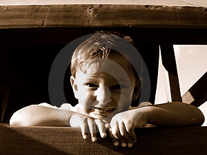 微笑的男孩 免版税库存照片
