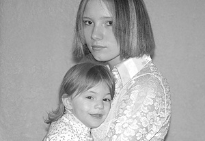 Teenage Mother / Sisters Free Stock Photography