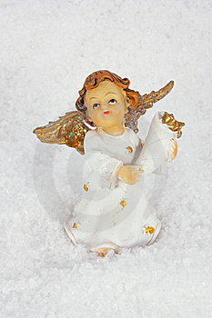 Angel In Snow Royalty Free Stock Photo - Image: 17058785