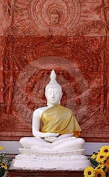 Image  Of Buddha And Idol  Thai Arts Royalty Free Stock Images - Image: 17191219