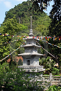 Pagoda In Vietnamese Temple Royalty Free Stock Images - Image: 17222019