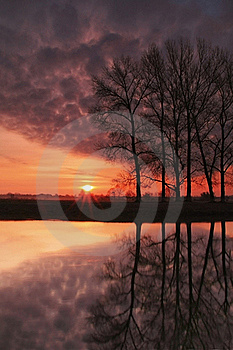 Dawn Reflection Royalty Free Stock Photo - Image: 17231035
