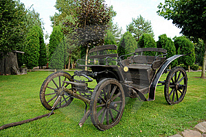 Old Horse-drawn Carriage Stock Photo - Image: 17260120