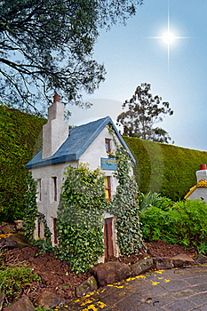 Ivy Cottage Royalty Free Stock Photos - Image: 17263858
