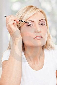 Beauty Woman Making-up Stock Photos - Image: 17301113