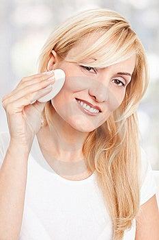 Beauty Woman Making-up Stock Image - Image: 17301131