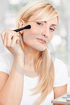 Beauty Woman Making-up Stock Photos - Image: 17301133