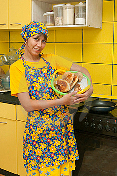 The Young Woman Bakes Pies Stock Images - Image: 17308124