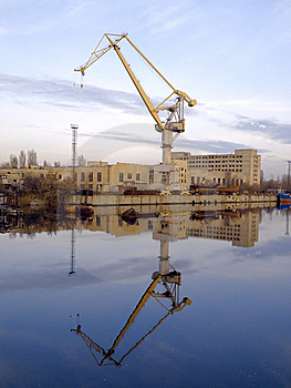 The Ship Crane Royalty Free Stock Images - Image: 17345489