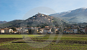 Italian Hilltop Town Royalty Free Stock Photos - Image: 17386188