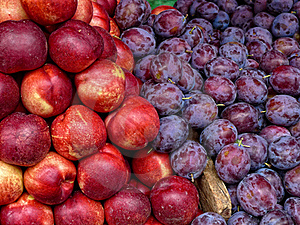 Plums And Nectarines Fruit Royalty Free Stock Image - Image: 17406716