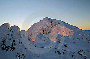 Snowdon Sunrise Glow On Snow Stock Photos - Image: 17423323