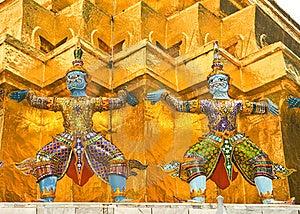 Statue In Buddhist Temple Stock Photo - Image: 17450900