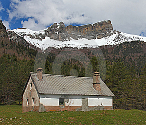 Hut And Snow-covered Mountains In Pyrenees Stock Photo - Image: 17477420