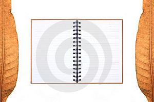 Leaves Frame & Recycle Notebook Royalty Free Stock Images - Image: 17480949