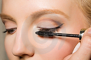 Charming Young Woman Applying Blusher Eyelid Royalty Free Stock Image - Image: 17519316