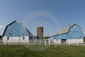 Blue Barns Royalty Free Stock Images - Image: 17567249