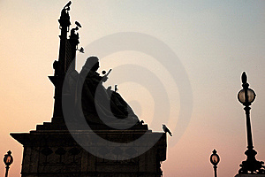 Queen Victoria Statue Royalty Free Stock Image - Image: 17577576