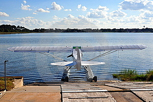 Float Plane At Dock Royalty Free Stock Photography - Image: 17654077