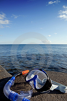 Diving Mask And Snorkel Royalty Free Stock Photography - Image: 17674687