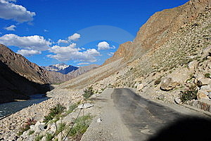 Road To Ladakh Terrain Royalty Free Stock Images - Image: 17676849
