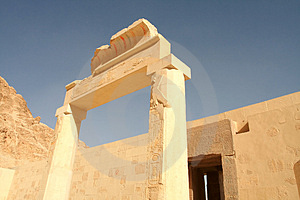 Deir El-Bahari, Luxor, Egypt. Stock Photo - Image: 1776040