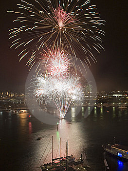 Fireworks 2 Royalty Free Stock Photo - Image: 17709935