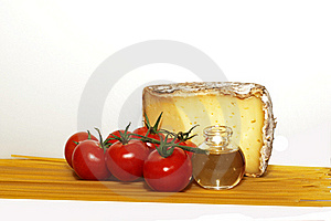 Cheese, Tomato And Spaghetti Royalty Free Stock Photography - Image: 17775057