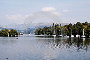 Boats On The Lake Royalty Free Stock Photo - Image: 17776635