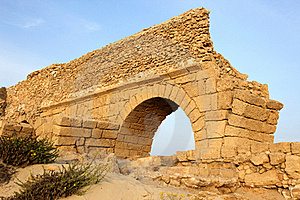 Ancient Roman Aqueduct In Ceasarea Royalty Free Stock Photos - Image: 17792538