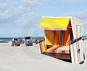Beach-chair At The Ocean - Summer Royalty Free Stock Photos - Image: 17814468