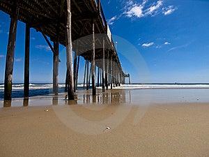 Cais Da Pesca Na Praia Imagem de Stock Royalty Free - Imagem: 17815096
