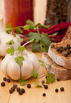 Garlic And Pepper With Other Spices Stock Photo - Image: 17818370
