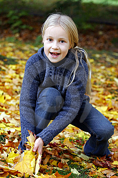 Girl In The Autumn Park Stock Photos - Image: 17844853