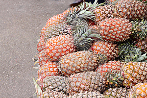 Pineapples Royalty Free Stock Photos - Image: 17855438