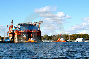 Towing Platform In Port Stock Photo - Image: 17859630